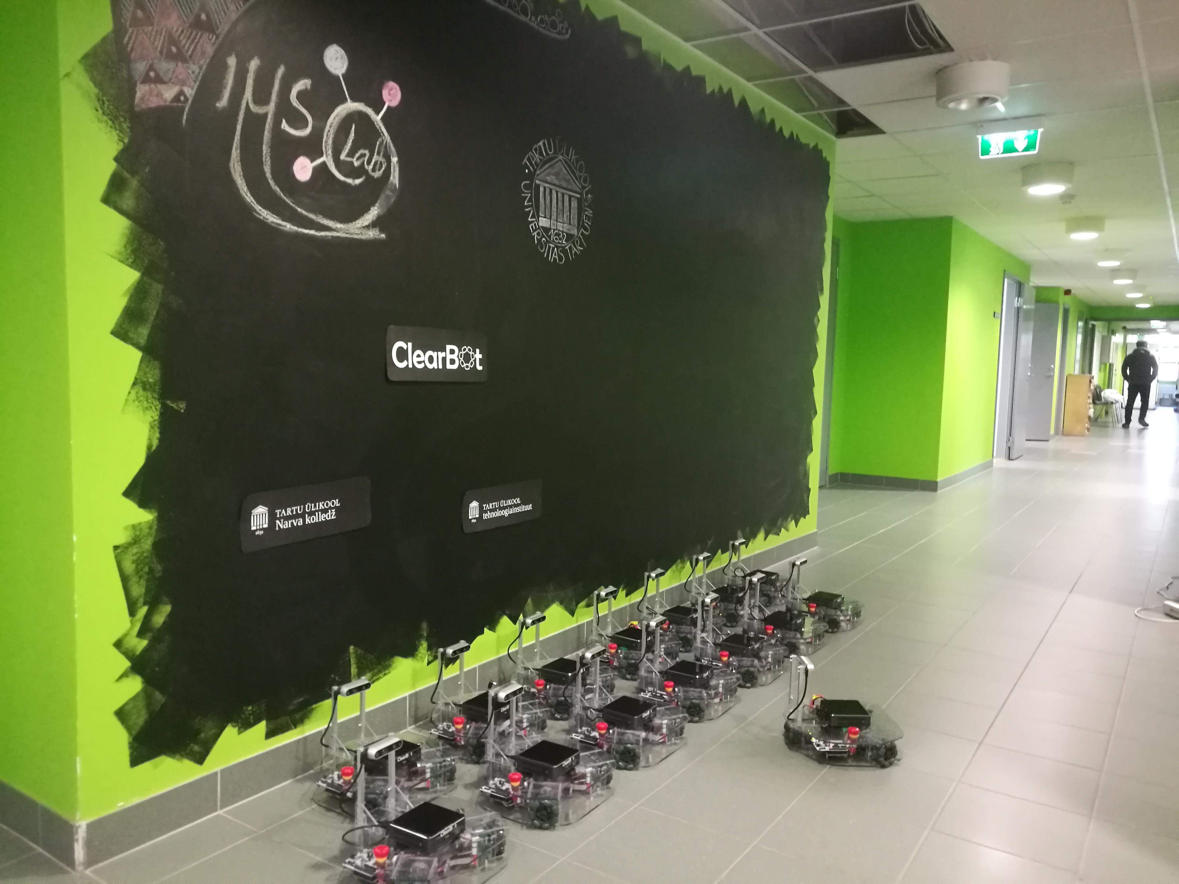15 Robots in University of Tartu posing